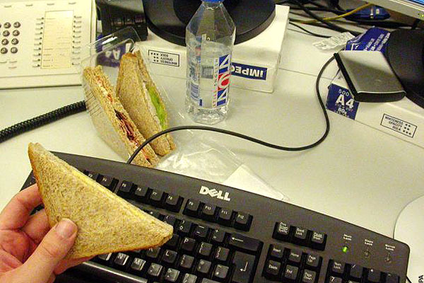 lunch-at-desk.jpg