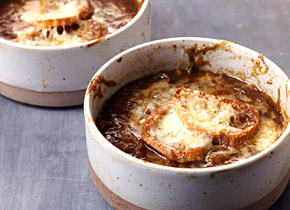 les-halles-french-onion-soup.jpg