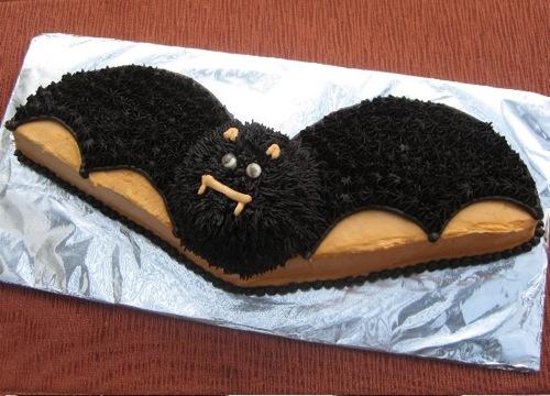 Grufti (Von Schnitzel) Bat-cake-10