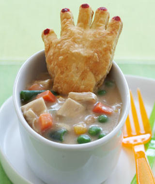 chicken-potpie-with-crawling-hands-recipe_slideshow_image1