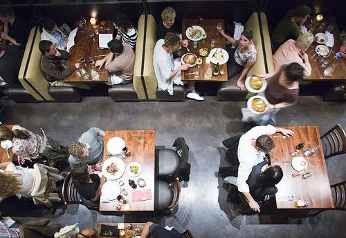 crowded-restaurant