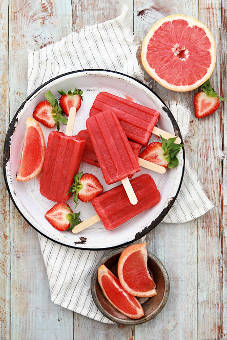 Grapefruit and Strawberry Greyhound | 30 Healthy Homemade Popsicles