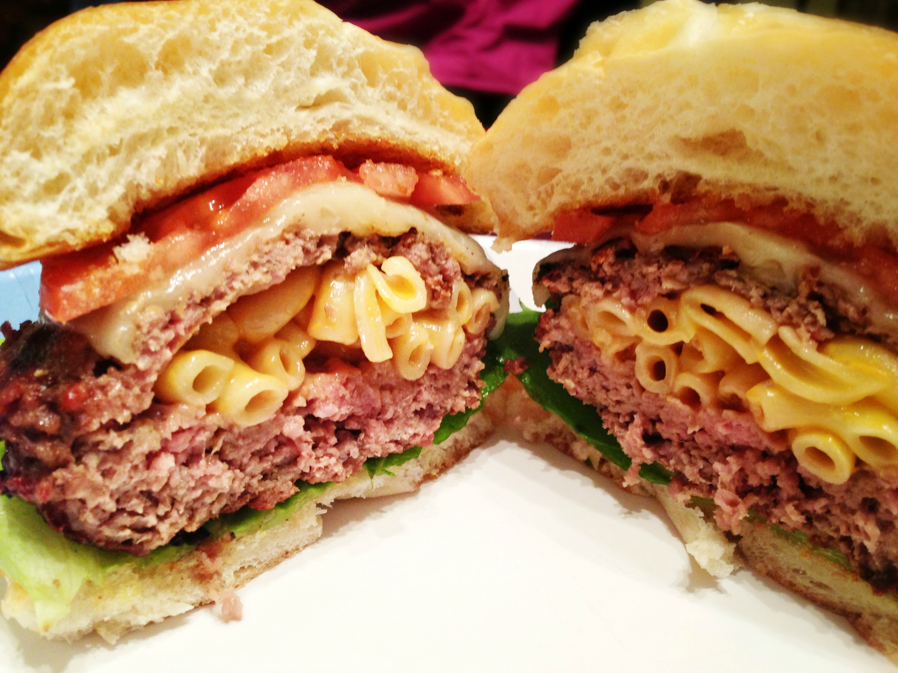Mac & Cheese Stuffed Burger