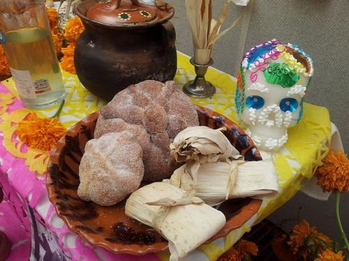 Mexico altar, LuisVG Wikimedia