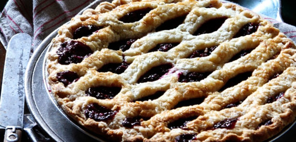 http://www.bakersroyale.com/pies-and-tarts/blackberry-lime-pie/
