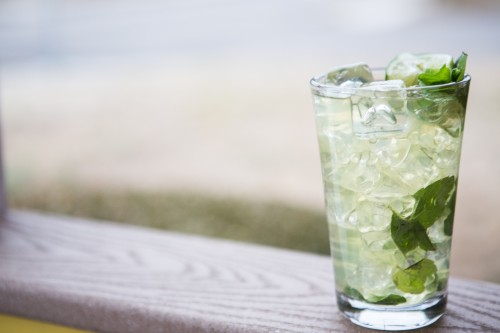 cocktail o'clock: moonshine mint julep