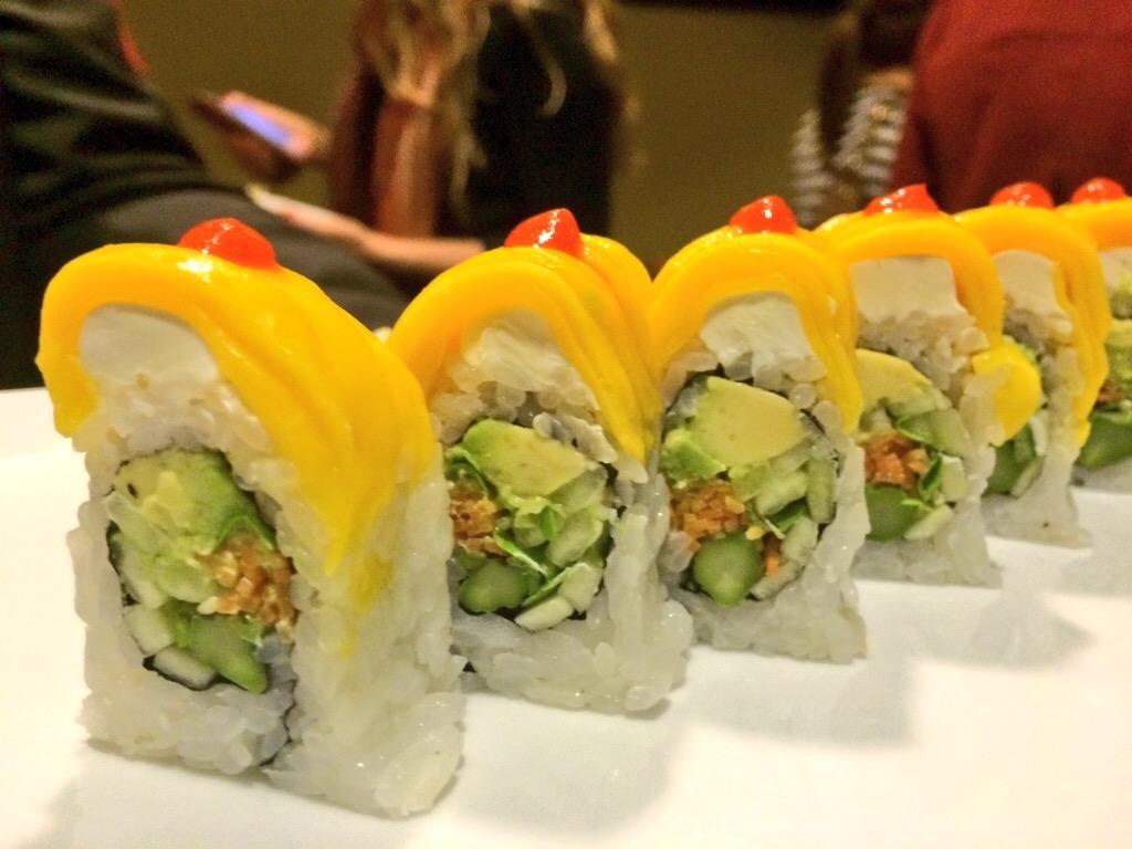 Sushi Zushi Tropical Roll