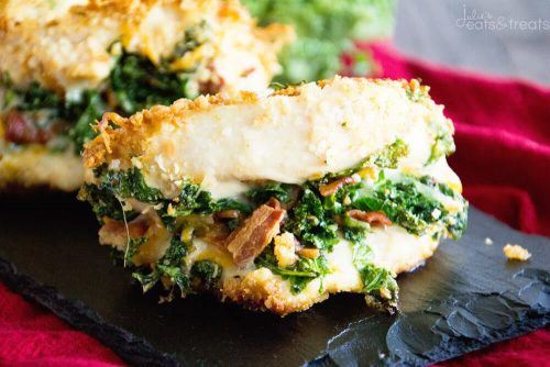 es-cheesy-bacon-kale-stuffed-chicken-landscape
